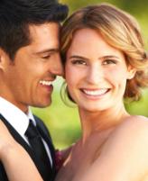 تمتعي بأسنان ناصعة البياض في حفل زفافك