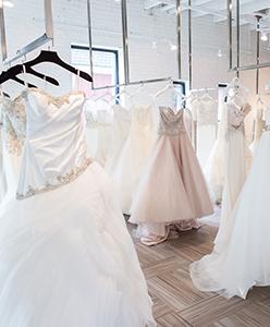 8 نصائح للتسوق الالكتروني لفستان الزفاف